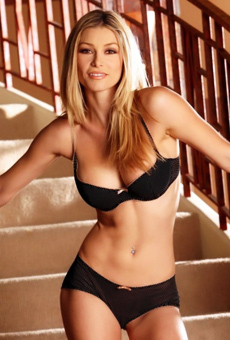 Heather Vandeven Blonde Beauty On The Stairs